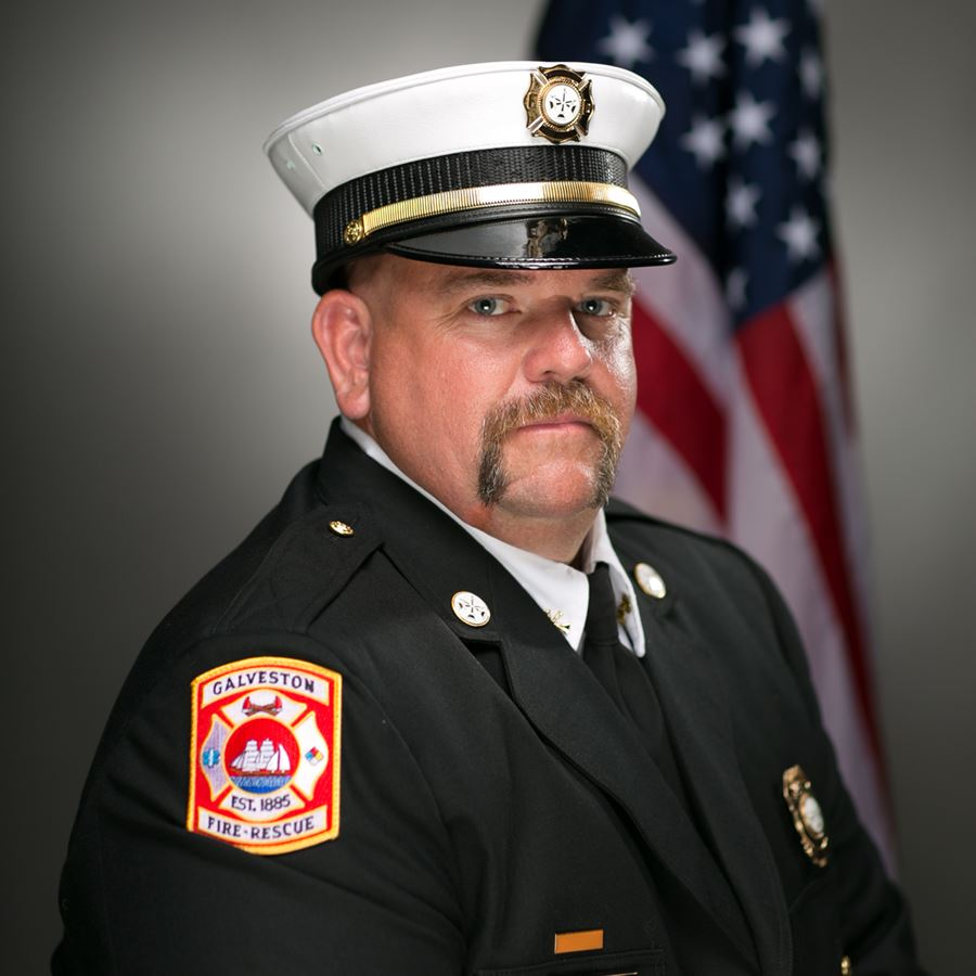 Photo of Battalion Chief TIm Johson