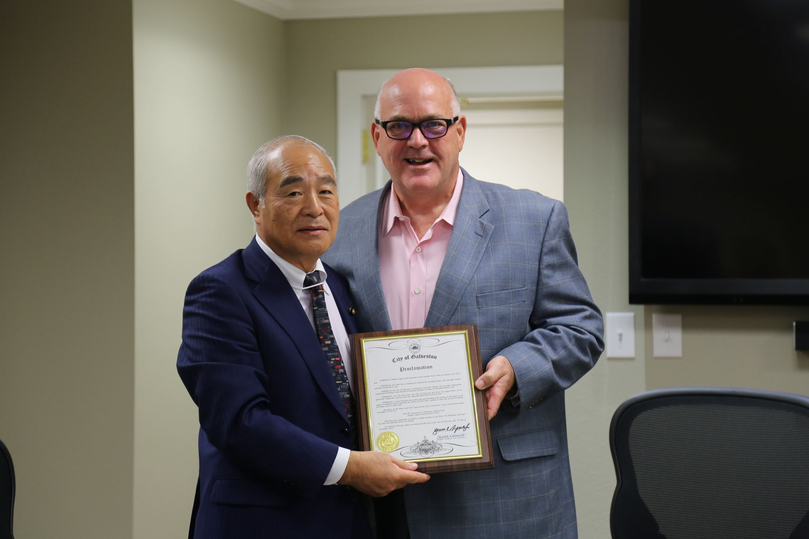Niigata Chairman and Mayor Yarbrough